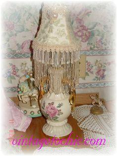 vintage lamp redesigned Shabby Chic Lighting, Shabby Chic Lamps, Kerosene Heater, Old Lamps, Vintage Lamps, Light Shades, Lampshades, Light Up, Creative Ideas