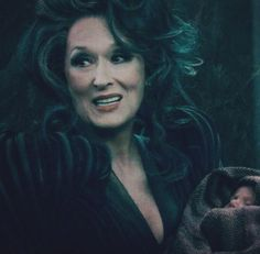 THE NEW PIC OF MERYL WITH A FUCKING CUUUUUTE BABY IN INTO THE WOODS