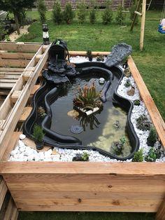 Fish Ponds Backyard, Patio Pond, Outdoor Ponds, Diy Pond, Backyard Patio, Backyard Landscaping, Indoor Pond, Indoor Water Fountains, Diy Garden Fountains