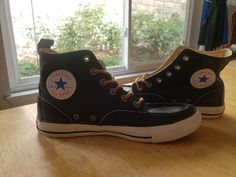 Leather Converse All Star hi tops They are unisex shoes Leather Converse, Converse Style, Converse All Star, Converse Chuck Taylor, Sneakers Fashion, Converse Fashion, High Top Sneakers, Unisex, Stars