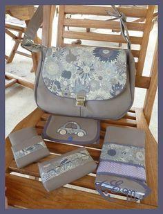 sac à main et ses accessoires (lien vers le tuto dans l'article).