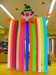 - Basteln - Best Picture For DIY Carnival booth For Your Taste You are looking for something, and it is going to tell y Kids Crafts, Clown Crafts, Circus Crafts, Carnival Crafts, Carnival Themes, Circus Theme, Circus Party, Party Themes, Diy And Crafts
