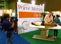 WaveMOTION auf der World Spa and Wellbeing Convention in Bangkok. Matthias Kühl im Interview mit dem Thailändischen Fernsehen.  Galerie | WaveMotion-Forum