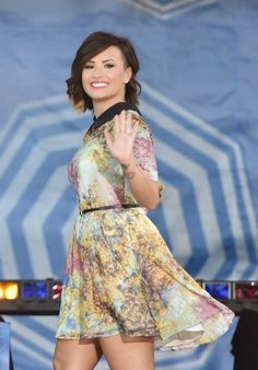 Demi Lovato on tour 2014, struggling with eating disorder