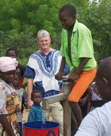 Walter Hughes Jr., a member of the Rotary Club of Mount, Virginia, USA, and one of 12 Rotarians honored as a Champion of Change at the April 2013 ceremony held at the White House, talks about his work to bring clean water to South Sudan.