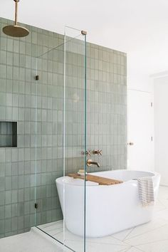 Beautiful bathroom decor a few ideas. Modern Farmhouse, Rustic Modern, Classic, light and airy master bathroom design ideas. Bathroom makeover some ideas and master bathroom remodel ideas. Interior Minimalista, Bathroom Renos, Bathroom Renovations, Bathroom Ideas, Bathroom Organization, Bathroom Cabinets, Bathroom Furniture, Gold Bathroom, Remodel Bathroom