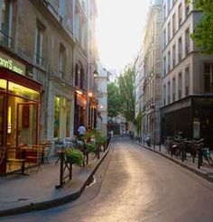 Google Image Result for http://www.escapefromamerica.com/wp-content/uploads/2009/06/paris-wandering.jpg