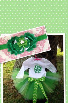St Patrick's Day Outfit, St Patrick's Tutu Onesie Headband Set, Shamrock Headband, Baby Girl Shamrock Outfit, Shamrock Onesie, Green Tutu