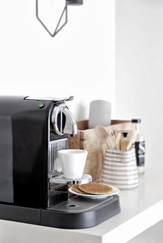 Morning Coffee in my Coffee Nespresso Corner | www.onlydecolove.com