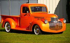 Neat vintage Chevrolet truck in bright orange. 1946 Chevy Truck, Chevy Pickup Trucks, Gm Trucks, Chevy Pickups, Chevrolet Trucks, Chevy S10, Chevy Camaro, Classic Chevrolet, Classic Chevy Trucks