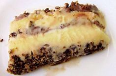 Recheio de brigadeiro galak, deixe seus bolos mais saborosos com esse recheio cremoso delicioso, uma receita fácil que vai dá aquele up nas suas sobremesas. Recheio de brigadeiro galak INGREDIENTES: 2 latas de leite condensado 3 colheres