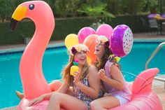 Pool Party Ideas Teenage Girls having a lemonade on a pineapple cups on a pink flamingo floating