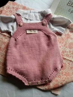 640 × 853 bildepunkter – Finance tips, saving money, budgeting planner Knitting For Kids, Baby Knitting Patterns, Baby Patterns, Baby Outfits, Kids Outfits, Baby Overalls, Knitted Baby Clothes, Knit Baby Pants, Baby Sweaters