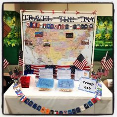 United States of America for Thinking Day. MakingFriends has resources to help your troop choose and learn about a country. Lots of ideas to make costumes, pins for swapping, recipes, free printables and more to help make your celebration a success. International Festival, International Day, Gs World, Usa Tattoo, World Thinking Day, Girl Scout Leader, Daisy Girl Scouts, Brownie Girl Scouts, Girl Scout Crafts