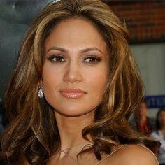 Jennifer Lopez- love her hair color Jennifer Lopez Fotos, Jennifer Lopez Hair Color, Best Brunette Hair Color, Hair Shades, Blonde Highlights, Chunky Highlights, Light Highlights, Caramel Highlights, Color Highlights