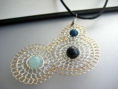 Ähnliche Artikel wie Anweisung Silberkette - Freundschaft-Halskette, 3 Kreis, Lapislazuli, Aqua blau Mint grün Draht gewebt - Freundeskreis (Ozean) auf Etsy