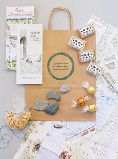 Whether you're throwing a destination wedding or a hometown affair, you'll need an epic wedding welcome bag to set the tone for your guests. Honey Wedding Favors, Edible Wedding Favors, Wedding Tags, Wedding Favor Bags, Bridal Shower Favors, Party Favors, Welcome Gifts For Wedding Guests, Destination Wedding Welcome Bag, Inexpensive Wedding Favors