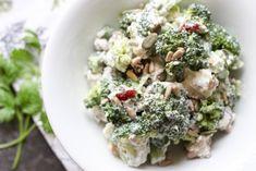 Szybka sałatka z brokułów i sera feta ⋆ M&M COOKING Tortellini, Sprouts, Feta, Risotto, Potato Salad, Food And Drink, Potatoes, Lunch, Vegetables