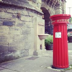 Victorian Postbox, Eastgate, Warwick Photo by craigsolo • Instagram