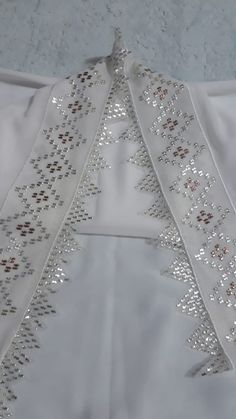 Zardozi Embroidery, Ribbon Embroidery, Filet Crochet, Baby Booties, Diy And Crafts, Vintage Cross Stitches, Makeup Collection, Hairstyle Man, Rage
