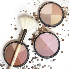 Get glowing with the Quad Bronzer! Use the White Fan Brush or Deluxe Shader Brush to apply all-over to bronze & highlight your skin. It can also be used wet or dry on the eyes and lips!