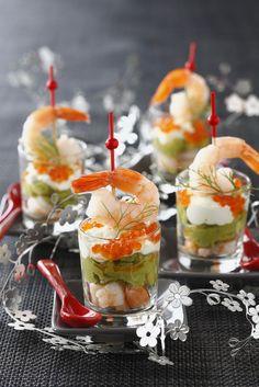 Wir zeigen euch hier eine besondere Variante eines Shrimp Cocktail, mit Avocado, eine sehr elegante und zarte Kombination.