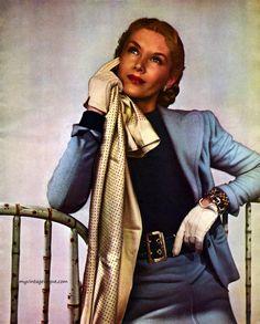 Harper's Bazaar January 1944 - photo by Louise Dahl Wolfe Lisa Fonssagrives Diana Vreeland, Lauren Bacall, Richard Avedon, 1940s Fashion, Vintage Fashion, 1940s Looks, Fashion Figures, Famous Models, Dahl