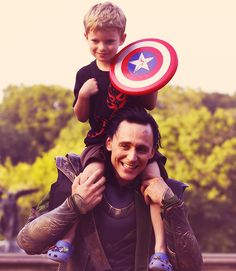 UM.... this is so cute I MAY die. So excited to see Avengers.... AGAIN!!!