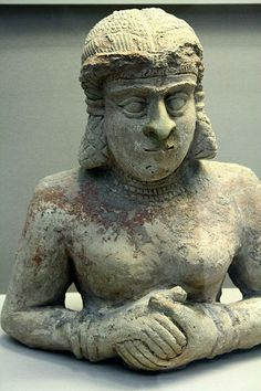 File:Terracotta statue of a woman,old Babylonian BC)with traces of paint British Museum Ancient Near East, Ancient Ruins, Ancient History, Art History, Ancient Mesopotamia, Ancient Civilizations, Historical Artifacts, Ancient Artifacts, Human Figures