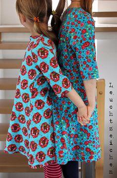 ... huiiiii, da ist mir doch die Zeit davon galoppiert :-)))             Wollte ich doch schon diese Kleidchen Ende März aus dem neuen Schni...