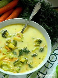 My simple kitchen: Zupa brokułowa z serkiem topionym Kitchen Recipes, Soup Recipes, Vegan Recipes, Cooking Recipes, Great Recipes, Vegan Runner, Vegan Gains, Roasted Butternut Squash Soup, Easy Food To Make