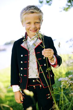 What a sweet little guy. Precious Children, Beautiful Children, Folk Costume, Costumes, Norwegian Clothing, Beautiful Norway, Frozen Costume, Thinking Day, World Cultures