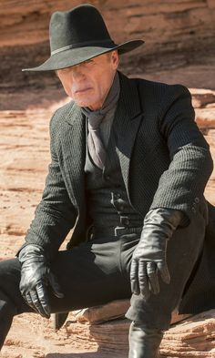 The Most Intriguing Westworld Theory Yet Has to Do With the Man in Black