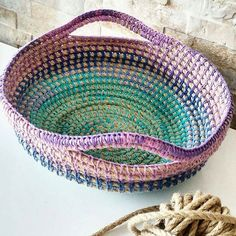 No photo description available. Crochet Bowl, Straw Bag, Basket, Knitting, Crafts, Handmade, Bags, Instagram, Crochet Tutorials