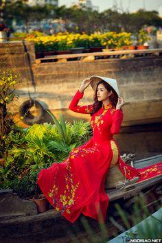 Mai Ánh Quyên đẹp rực rỡ với áo dài cưới in hoa