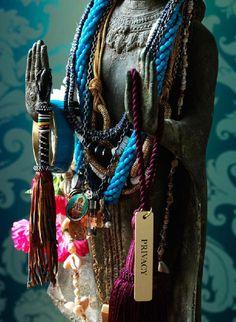 Ideia de suporte para colares
