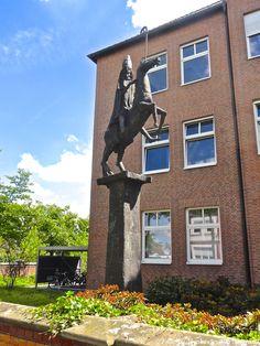 ... Monumento scultura in bronzo di Vescovo a cavallo ... Sendenhorst (D) - 29/06/2015   -  © Umberto Garbagnati -