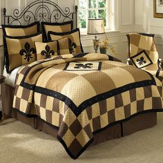 After a year of living in the new house I've finally found bedding for the master bedroom. Fleur de Lis Patchwork Bedding by Donna Sharp Bedding, Lofts, Quilt Bedding, Bedding Sets, Twin Quilt, Bedroom Themes, Bedroom Decor, Bedroom Ideas, Master Bedroom, Medieval Bedroom