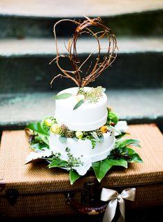 Rustic Romantic Virginia Wedding Cake