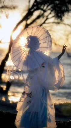 24 ideas fashion asian traditional asia for 2019 Suzhou, Art Asiatique, Japon Illustration, In China, Photo Reference, Hanfu, Chinese Art, Belle Photo, Japanese Art