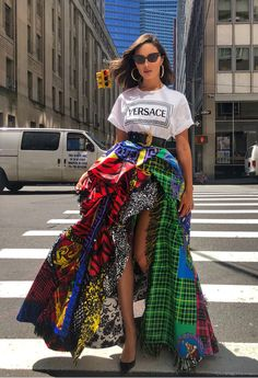 Quem: Olívia Culpo Veste: Versace Onde: em New York Fashion Fashionable Ideas Party Clothes Makeup Jewelry Trends Trend Trending Fashion Weeks, Fast Fashion, Look Fashion, High Fashion, Fashion Show, Womens Fashion, Fashion Design, Fashion Beauty, 50 Fashion