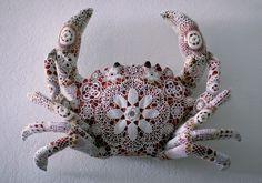 Joana Vasconcelos: Gorette.   Rafael Bordalo Pinheiro faience painted with ceramic glaze+handmade cotton crochet