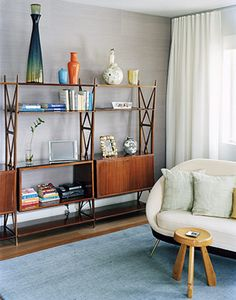 mid-century modern living room - www.decorteamus.com