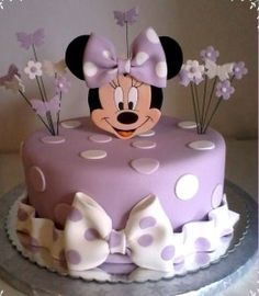 Minnie Mouse cake has become a cherished birthday wish for every child. The beautiful appearance and wonderful designs of that cake makes a fancy birthday Minni Mouse Cake, Bolo Do Mickey Mouse, Bolo Minnie, Minnie Cake, Minnie Mouse Birthday Cakes, Mickey Cakes, Baby Cakes, Girl Cakes, Cupcake Cakes