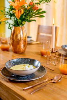 Uneori și răsfățul propriu este bine venit, mai ales atunci când servești masa! Cu Nobila Casa te bucuri de un decor special de fiecare dată! Mai, Panna Cotta, Ethnic Recipes, Food, Dulce De Leche, Essen, Meals, Yemek, Eten