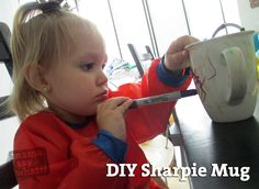 DIY Sharpie Mug from Mama Say What? Cassie shares a fun and simple DIY craft great for kids. Decorate a ceramic mug with Sharpies & set the ink in the oven Christmas Crafts For Toddlers, Toddler Christmas, Toddler Crafts, Christmas Projects, Christmas Fun, Xmas, Homemade Christmas Gifts, Homemade Gifts, Diy Gifts