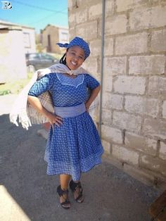 Top shweshwe dresses with apron summer is a aeon you abrasion ablaze colours. You can abrasion in on your nails, bags, shoes etc. African Attire, African Wear, African Fashion Dresses, African Dress, Seshweshwe Dresses, Dashiki, Apron, Stylish, Skirts