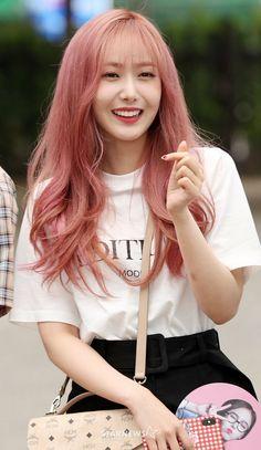 Kpop Girl Groups, Kpop Girls, Korean Hair Color, Sinb Gfriend, Kpop Hair, G Friend, I Love Girls, Korean Celebrities, Hair Art
