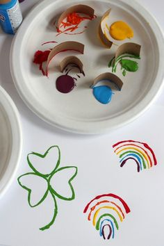 St. Patricks Day Paper Tube Stamping How simple is that craft??  Love it for little kids!