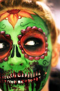 Sugar Skull with bloody teeth by Saara Sarvas.